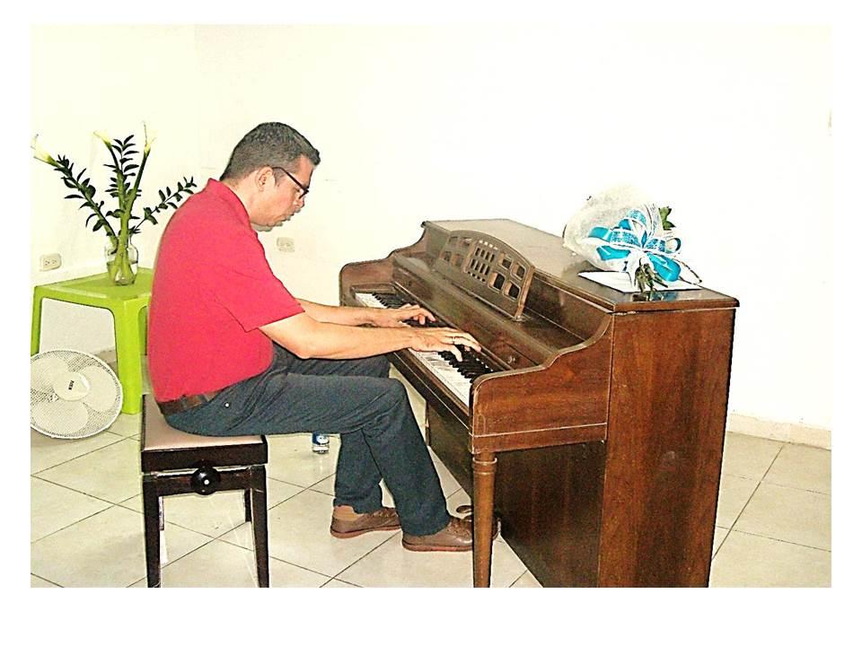 Concertista colombiano ofreció recital de piano en el